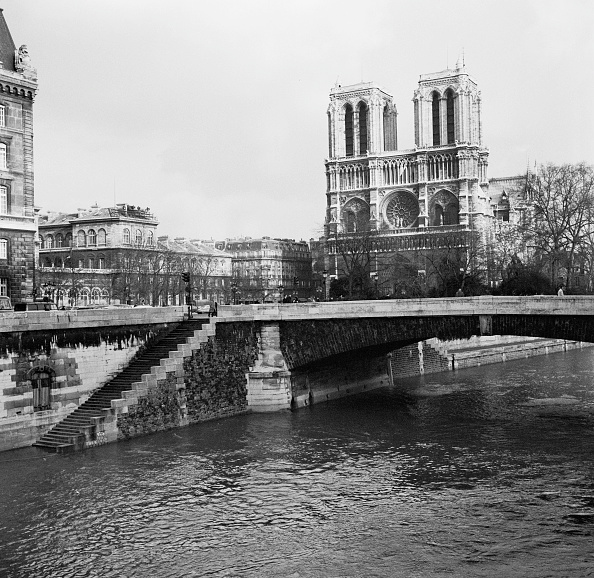 Michael Ochs Archives「Notre Dame De Paris」:写真・画像(13)[壁紙.com]