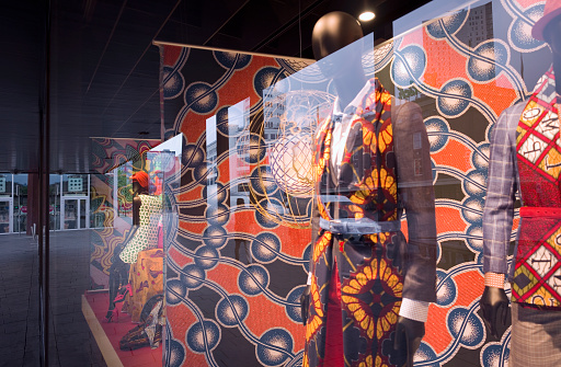 North Brabant「Window display with mannequins in African style」:スマホ壁紙(3)