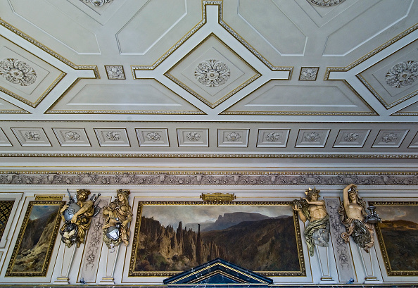 Ceiling「Vienna; Natural History Museum; Ceiling; Paintings And Sculptures In A Exhibition Hall Of The Minerals Department」:写真・画像(0)[壁紙.com]