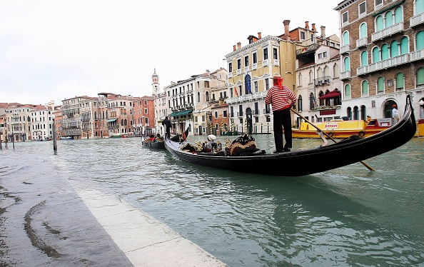 Venice - Italy「Venice Hit By Flood Waters」:写真・画像(4)[壁紙.com]