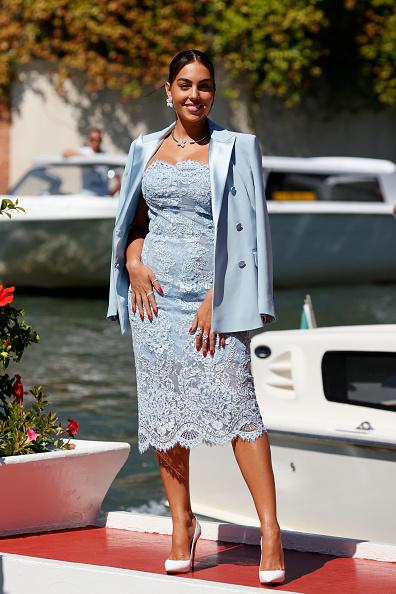 Looking At Camera「Celebrity Sightings - Day 1 - The 78th Venice International Film Festival」:写真・画像(18)[壁紙.com]