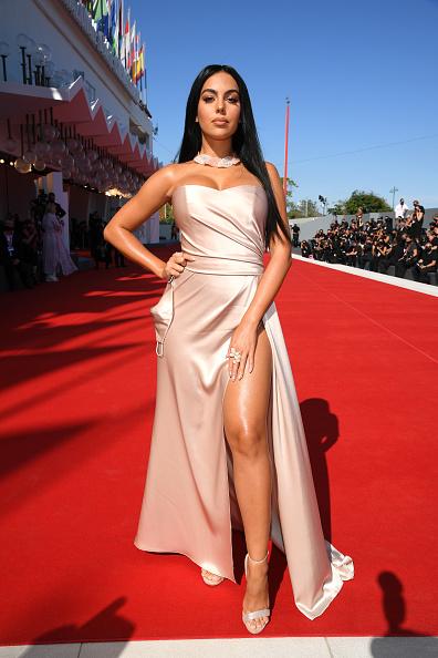 "Venice International Film Festival「""The Human Voice"" and ""Quo Vadis, Aida?"" Red Carpet - The 77th Venice Film Festival」:写真・画像(12)[壁紙.com]"