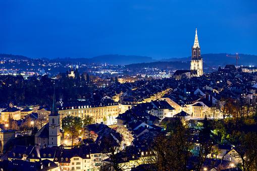 スイス「夕暮れ、スイス ベルンの街並み」:スマホ壁紙(11)