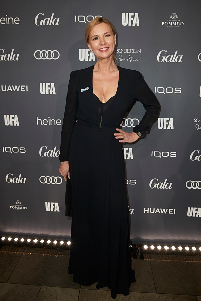 Scooped Neck「IQOS At Berlin Opening Night by GALA & UFA Fiction」:写真・画像(8)[壁紙.com]