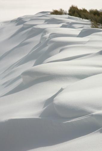 吹雪「雪の波」:スマホ壁紙(2)