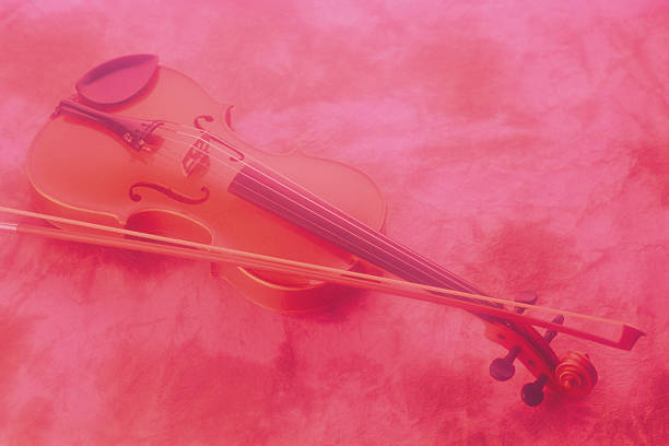 Violin and bow:スマホ壁紙(壁紙.com)