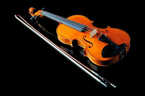 Violin「Violin and bow」:スマホ壁紙(12)