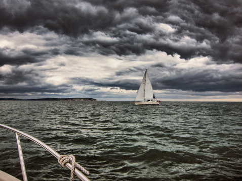 Overcast「Sail Boat on storm sea and storm clouds」:スマホ壁紙(15)