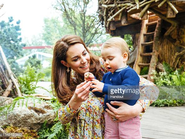 Prince Louis of Cambridge「Duchess of Cambridge Visits RHS Chelsea Flower Show garden」:写真・画像(13)[壁紙.com]