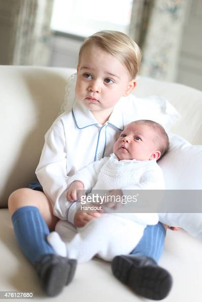 Releasing「Prince George & Princess Charlotte Of Cambridge - Official Photographs Released」:写真・画像(14)[壁紙.com]