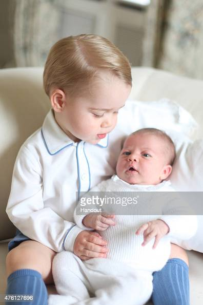 Releasing「Prince George & Princess Charlotte Of Cambridge - Official Photographs Released」:写真・画像(15)[壁紙.com]