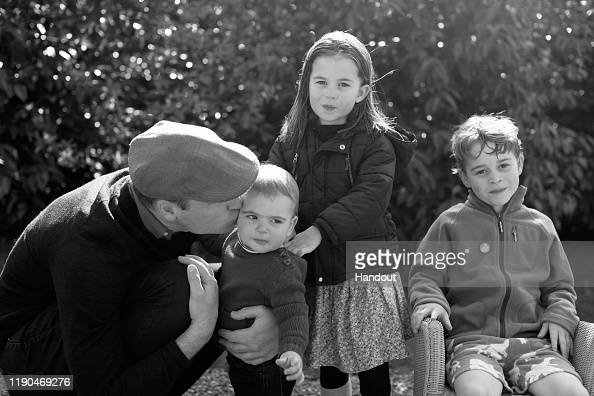 Royalty「The Duke And Duchess of Cambridge Release Their Christmas Card」:写真・画像(7)[壁紙.com]