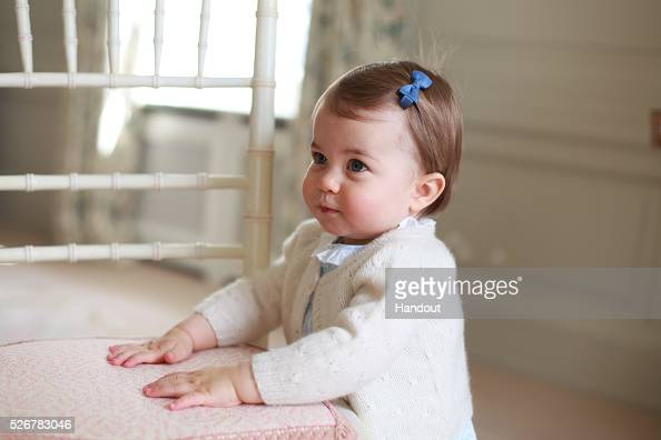 Cute「Princess Charlotte - Official Photographs Released Ahead Of First Birthday」:写真・画像(15)[壁紙.com]