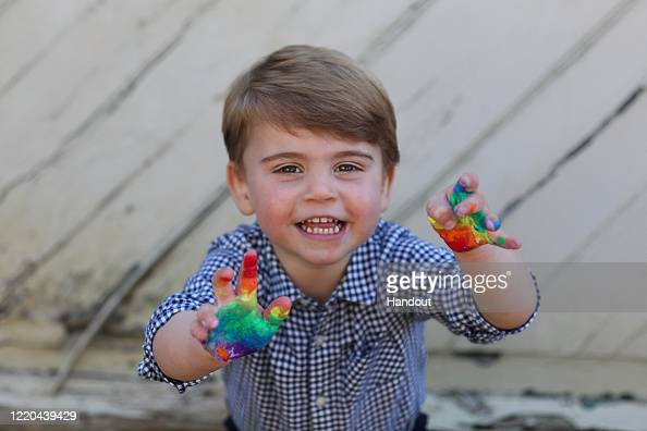 Prince Louis of Cambridge「The Duke And Duchess of Cambridge Release Photos To Celebrate Prince Louis' Second Birthday」:写真・画像(8)[壁紙.com]