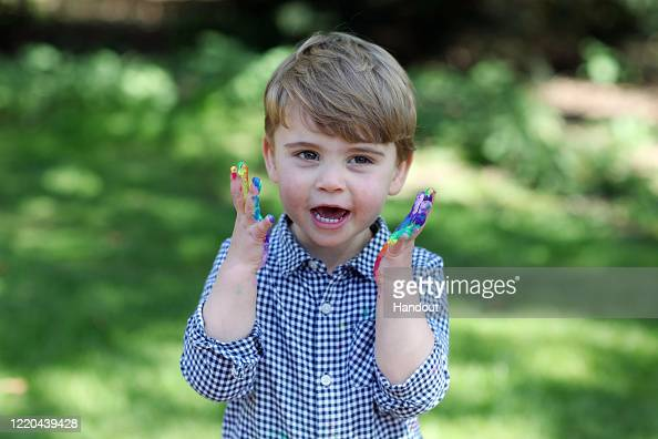 Prince Louis of Cambridge「The Duke And Duchess of Cambridge Release Photos To Celebrate Prince Louis' Second Birthday」:写真・画像(6)[壁紙.com]