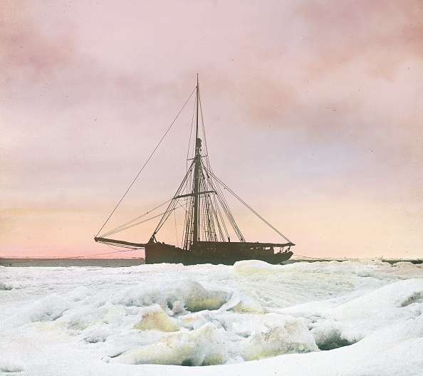 Svalbard Islands「The Isbjoern, a ship of the Spitsbergen-Expedition of Julius Payer and Karl Weyprecht. Hand-colored lantern slide. August, 18th 1872」:写真・画像(11)[壁紙.com]