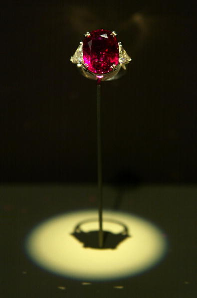 Saturated Color「Carmen Lucia Ruby Displayed At Smithsonian」:写真・画像(7)[壁紙.com]