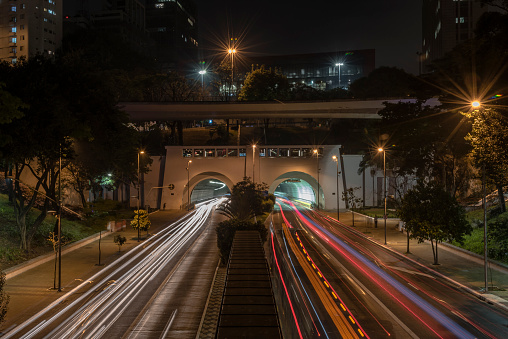 Avenue「Night street view of São Paulo, Brazil」:スマホ壁紙(6)