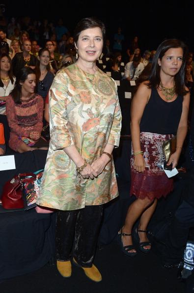 Isabella Rossellini「Desigual - Front Row - Mercedes-Benz Fashion Week Spring 2014」:写真・画像(19)[壁紙.com]