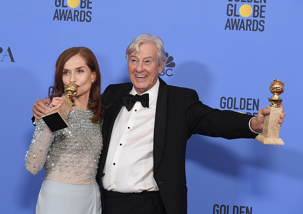 Alternative Pose「74th Annual Golden Globe Awards - Press Room」:写真・画像(4)[壁紙.com]
