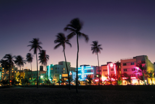 Miami「Ocean Drive at Night」:スマホ壁紙(0)