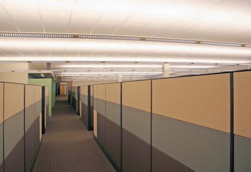 In A Row「Dull Grey Cubicle Hallway」:スマホ壁紙(10)