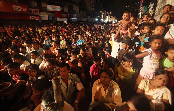 Religious Festivals In Sri Lanka Draw Large Crowds:ニュース(壁紙.com)