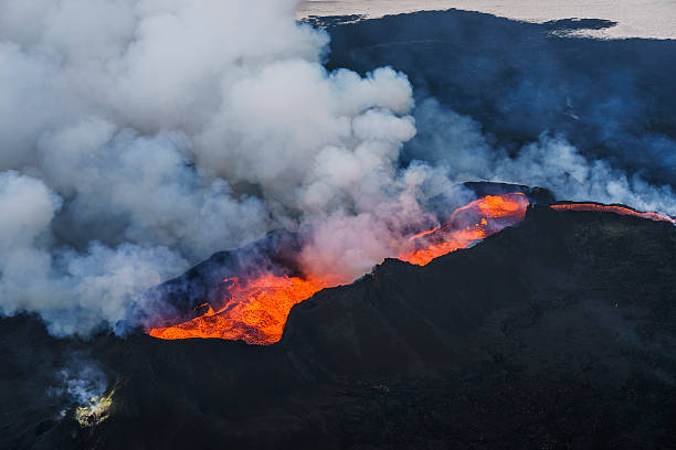 Eruption, Holuhraun, Bardarbunga Volcano, Iceland.:スマホ壁紙(壁紙.com)