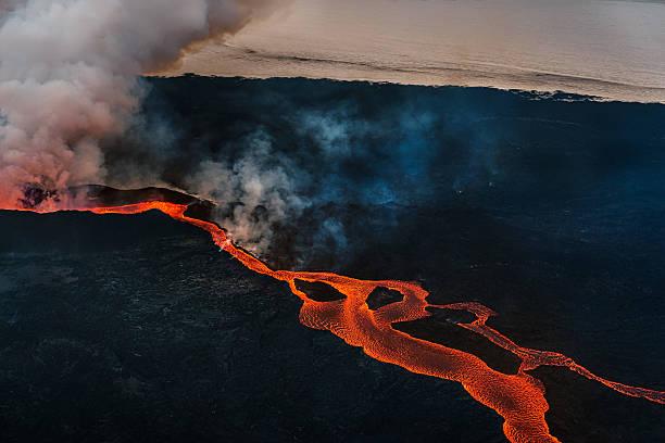 Eruption, Holuhraun, Bardarbunga Volcano, Iceland:スマホ壁紙(壁紙.com)