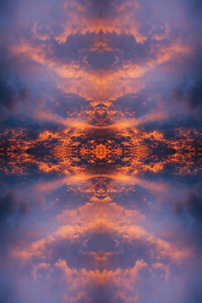 mirrored orange red clouds at sunset:スマホ壁紙(壁紙.com)