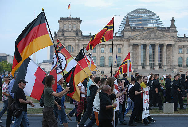 Pegida Supporters March In Berlin:ニュース(壁紙.com)