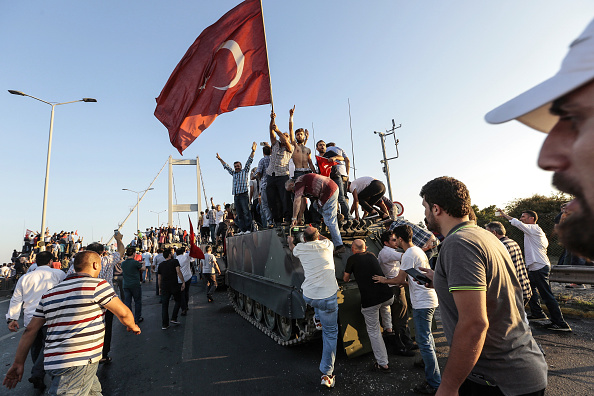 Bridge - Built Structure「At Least 90 Killed in Attempted Military Coup in Turkey」:写真・画像(14)[壁紙.com]