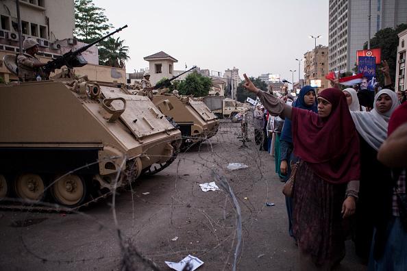 2013「Egyptian Forces Threaten to Remove Pro Morsi Demonstrators」:写真・画像(4)[壁紙.com]