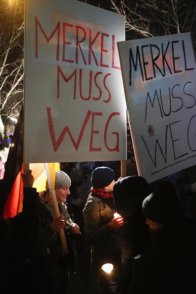 2016 Berlin Christmas Market Attack「AfD Holds Vigil Following Berlin Terror Attack」:写真・画像(9)[壁紙.com]