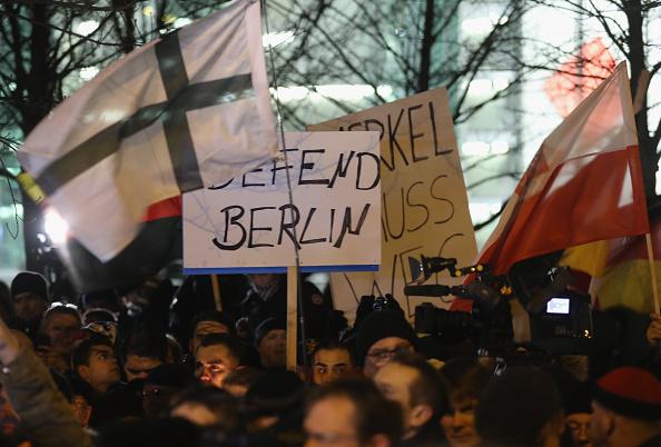 2016 Berlin Christmas Market Attack「AfD Holds Vigil Following Berlin Terror Attack」:写真・画像(3)[壁紙.com]
