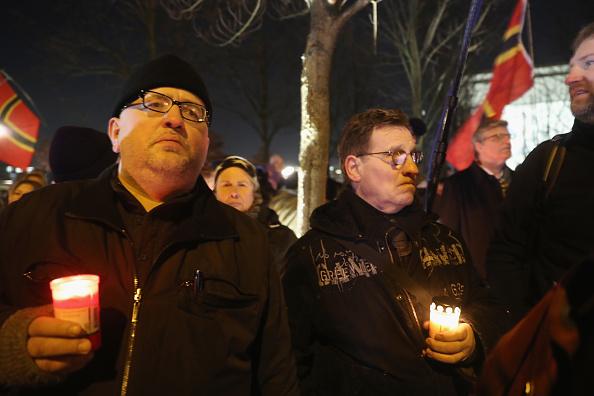2016 Berlin Christmas Market Attack「AfD Holds Vigil Following Berlin Terror Attack」:写真・画像(11)[壁紙.com]