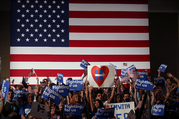 Florida - US State「Democratic Presidential Candidate Hillary Clinton Holds Primary Night Event In Florida」:写真・画像(2)[壁紙.com]