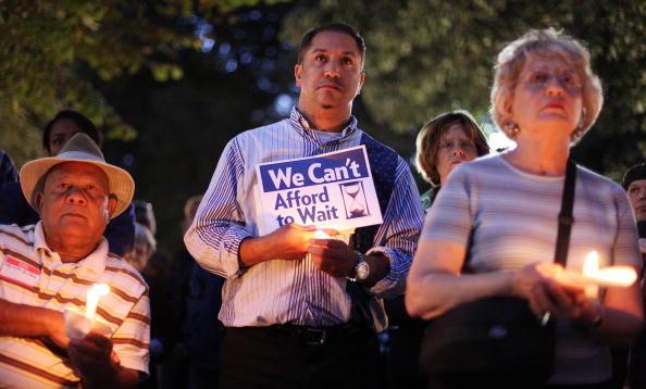 Support「Activists Hold Vigil For Health Care Reform」:写真・画像(14)[壁紙.com]