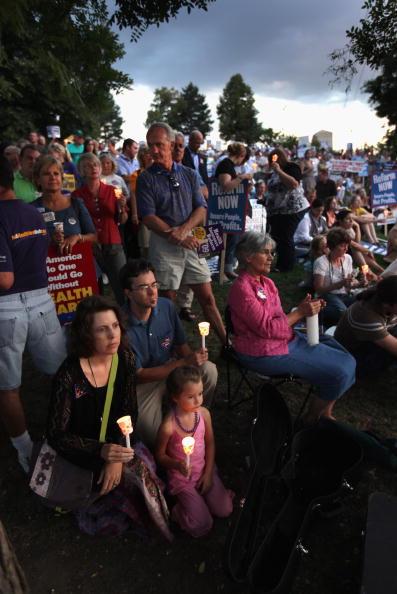 Support「Activists Hold Vigil For Health Care Reform」:写真・画像(16)[壁紙.com]