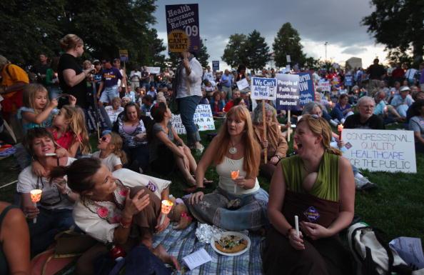 Support「Activists Hold Vigil For Health Care Reform」:写真・画像(15)[壁紙.com]