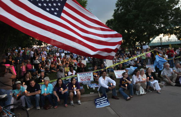 Support「Activists Hold Vigil For Health Care Reform」:写真・画像(12)[壁紙.com]