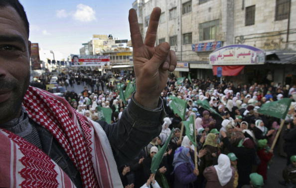 Focus On Foreground「Hamas Celebrate Palestinian Election Victory」:写真・画像(4)[壁紙.com]