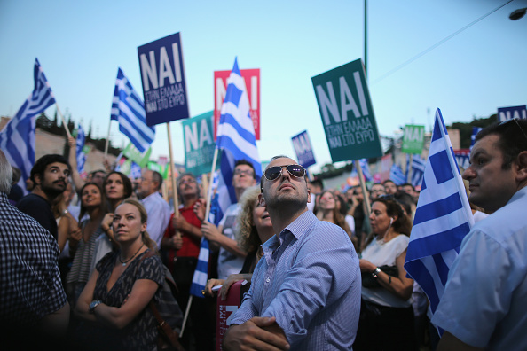 Christopher Furlong「Rallies Are Held In Athens Ahead Of The Greek Bailout Referendum On Sunday」:写真・画像(14)[壁紙.com]