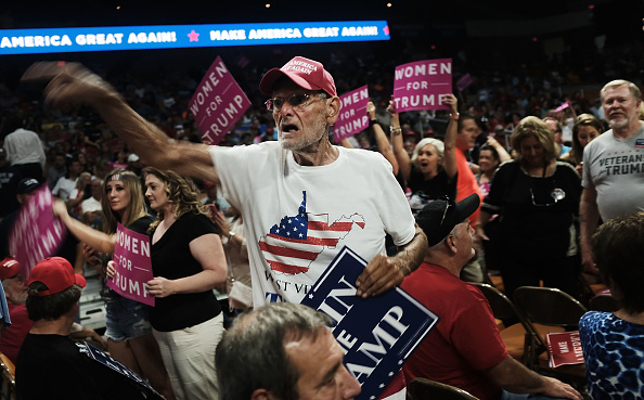 Anger「Donald Trump Holds Rally In Charleston, West Virginia」:写真・画像(6)[壁紙.com]