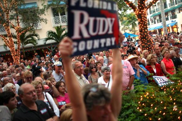 Naples - Florida「Giuliani Continues Flordia Campaigning」:写真・画像(8)[壁紙.com]