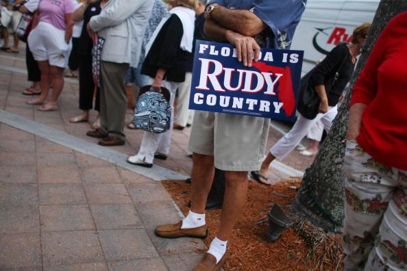 Naples - Florida「Giuliani Continues Flordia Campaigning」:写真・画像(6)[壁紙.com]