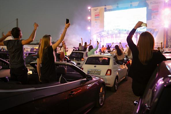 Stage - Performance Space「DJ Felix Jaehn Performs At BonnLive Drive-In Concert」:写真・画像(3)[壁紙.com]