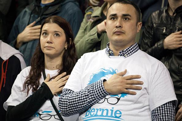 Matt Mills McKnight「Democratic Presidential Candidate Bernie Sanders Campaigns In Seattle, Washington」:写真・画像(19)[壁紙.com]