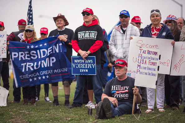 Supporter「Pro-Trump Activists Hold Rally On Border Supporting President And His Immigration Policies」:写真・画像(5)[壁紙.com]