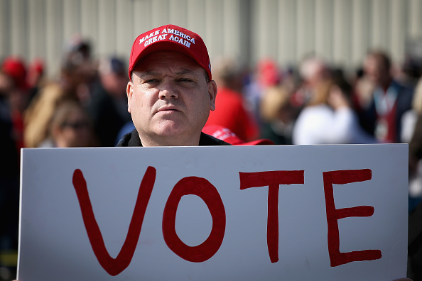 Scott Olson「Donald Trump Holds MAGA Campaign Rally In Southern Illinois Ahead Of Midterm Elections」:写真・画像(5)[壁紙.com]